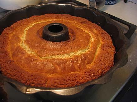 Cardamom, Vanilla & Orange Pound Cake « Je Mange la Ville