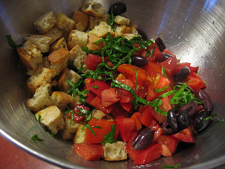 bread & tomato salad